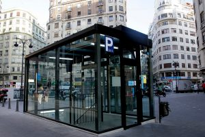 parking_avenida_del_oeste_acceso_parking